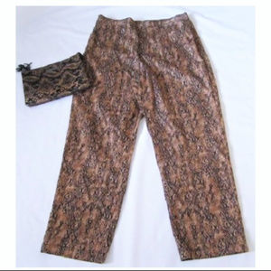 """Jeans Reptile Print Size 16 (36"""" waist 46"""" hips)"""